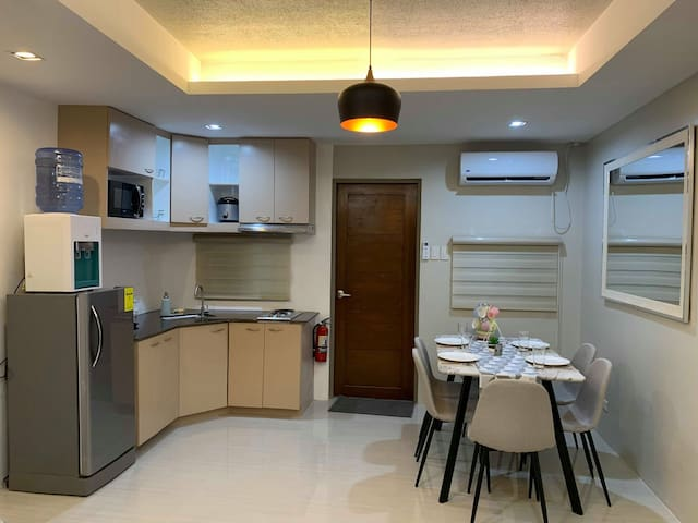 Brandnew 2F Modern Apartment-FREE Airport pickup