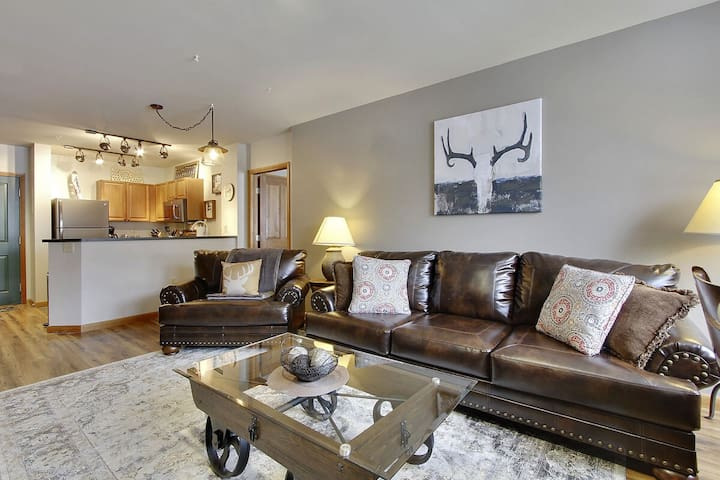 Gorgeous 2Bd Condo   Ski In/Ski Out!   New Remodel   Awesome Amenities   Views!