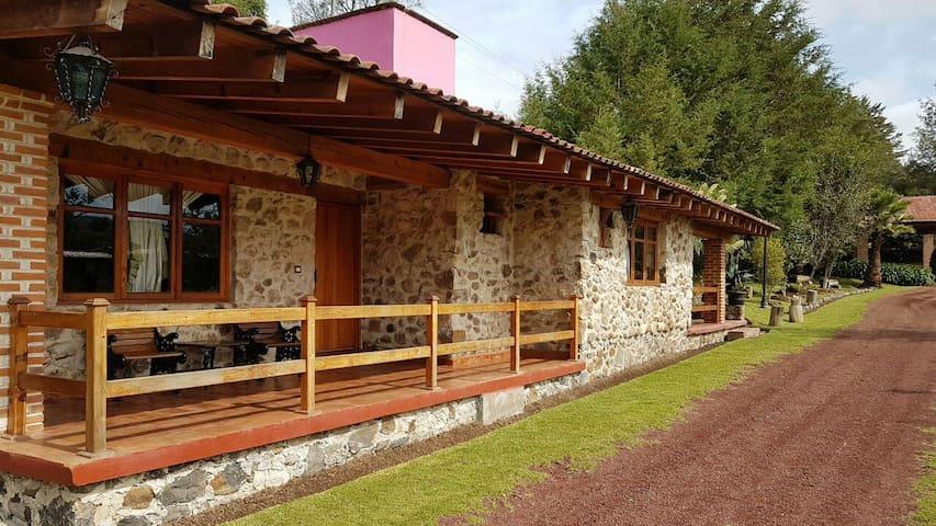 Habitaciones tipo Cabaña y jardin en Rancho Hípico - Huasca de Ocampo - Houten huisje