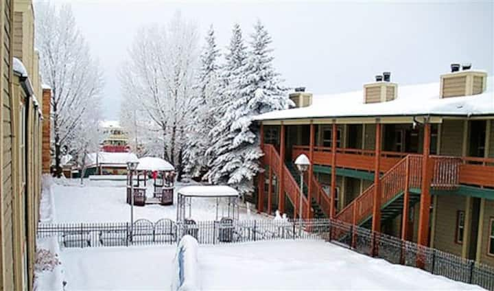 3BR Condo Jackson Hole Towncenter by Town Square