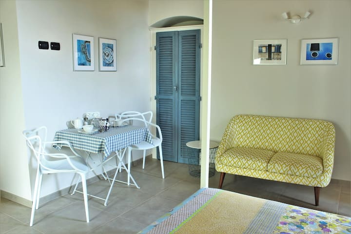 Pannonica: cosy room in the heart of Monforte