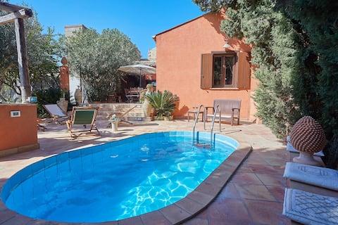 Small villa with pool near Trapani