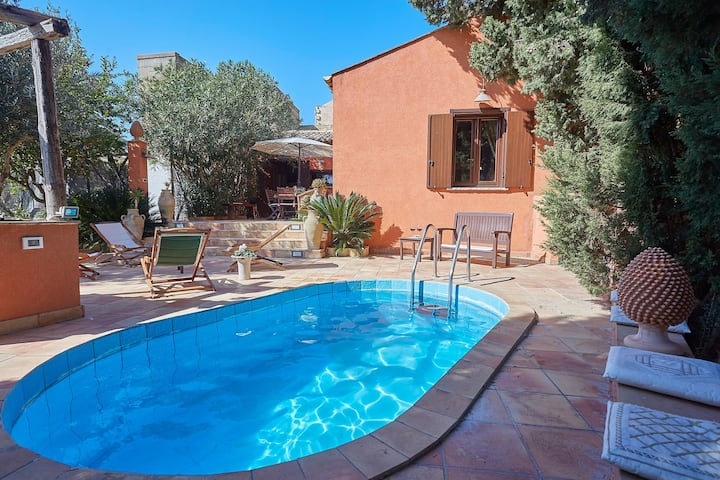 Small villa with pool near Trapani