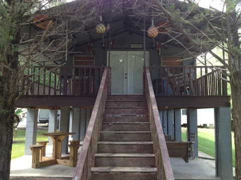 Fish Camp on the Bayou for Two (Sorry, No Pets)