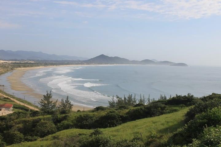 Vista maravilhosa da praia,campo e dunas