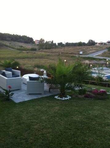 Luxury villa with pool IN SANI - . - Dům