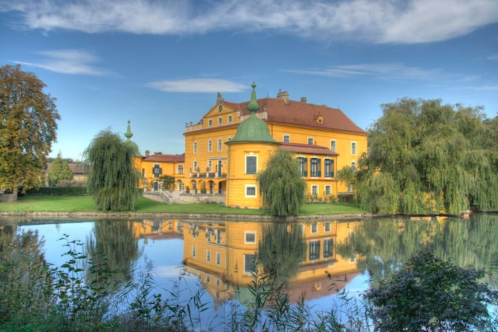 Luxurious unique baroque Castle lavishly furnished