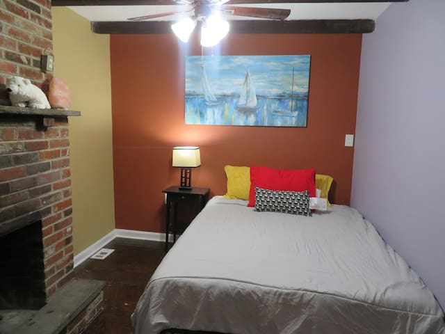 Central Philly Large 2 bedr w/ Courtyard access - Philadelphia - Condominio
