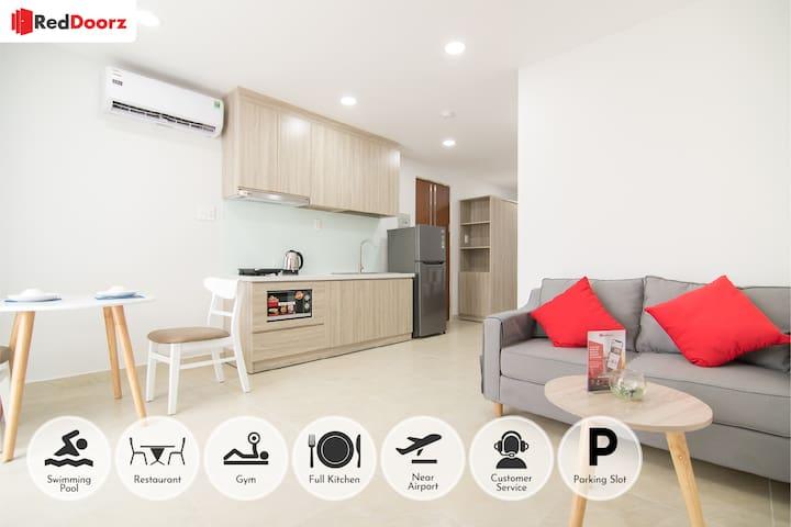 RedDoorz Premium Apart near E-Town,Tan Binh Dist