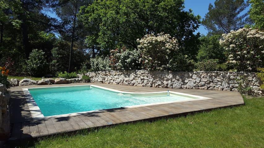 Villa de charme près d'Aix en Pce