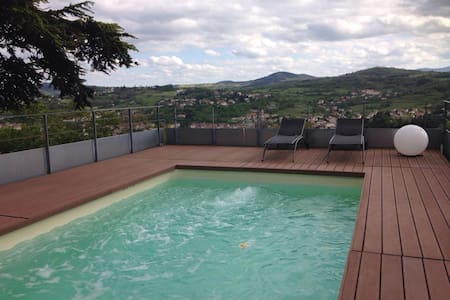 Private apartment, view, garage & swimming pool - Espaly-Saint-Marcel - 公寓