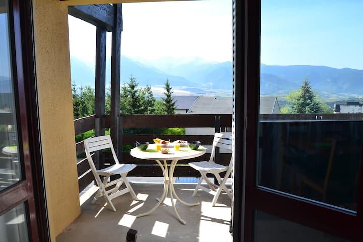 Joli studio avec balcon et superbe vue