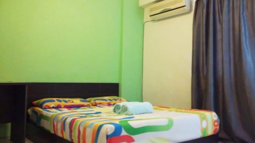 Spacious double bedroom with A/C and Wifi - Jelutong - Pis