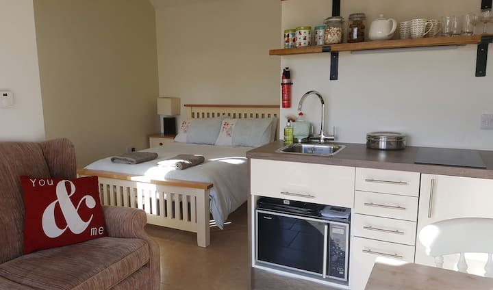 Bakers Den - Stunning One Bedroom Studio Apartment