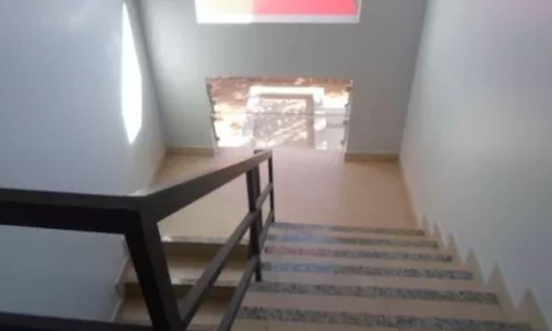 Apartamento inteiro - próximo à UFG (Apto 7)