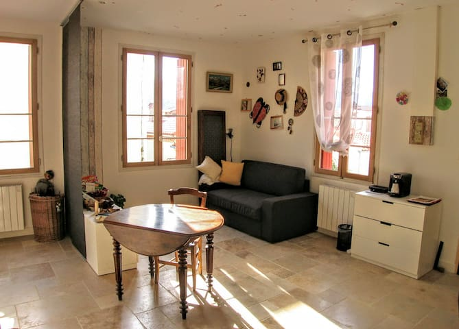 Private Chamber and lounge in house of village - Banyuls-sur-Mer