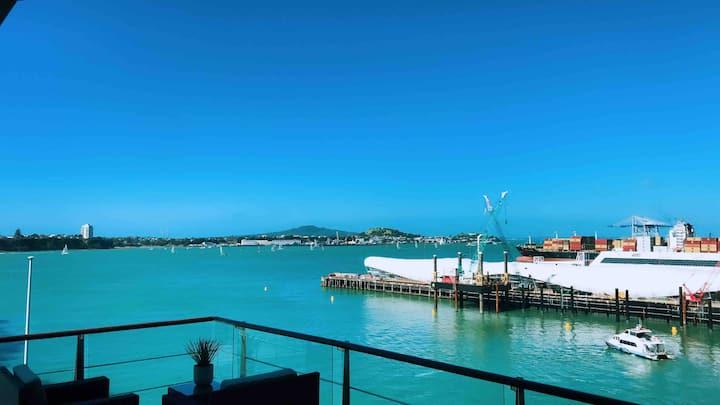 Lux Panoramic Seaview Penthouse on Princes Wharf