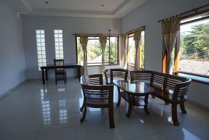 Gracia Guest House