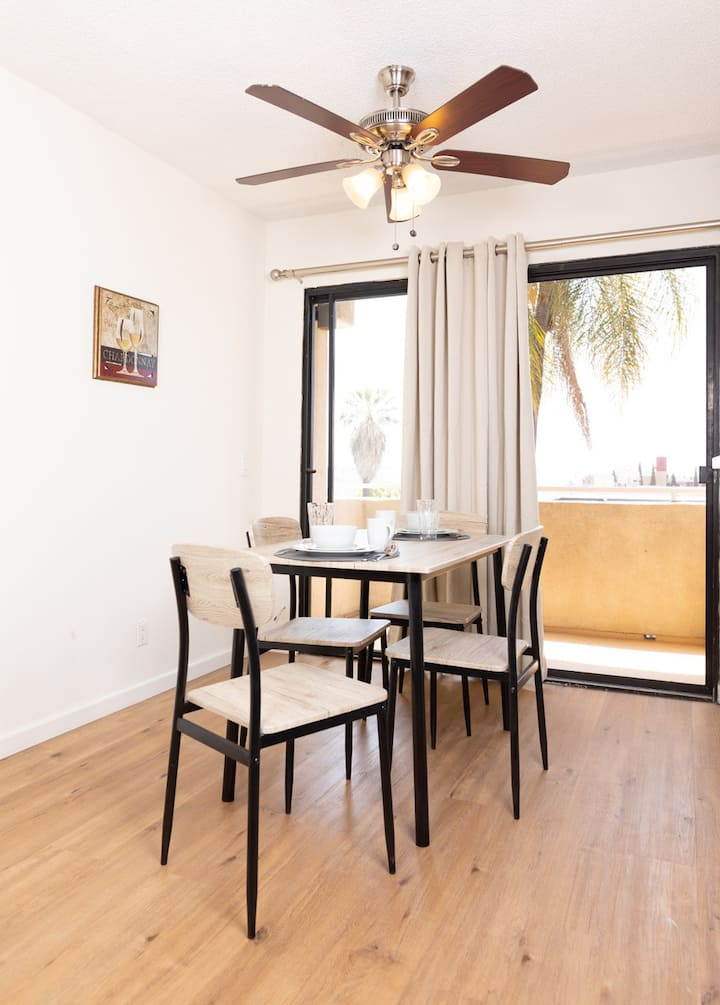Bright Hollywood One Bedroom-Fully Furnished