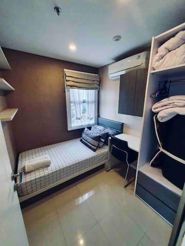3rd bedroom (kamar ketiga)