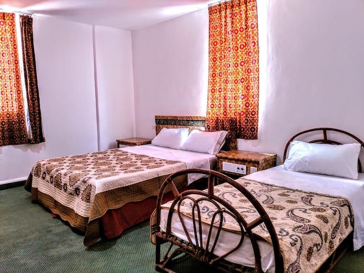Orient Gate Hostel & Hotel