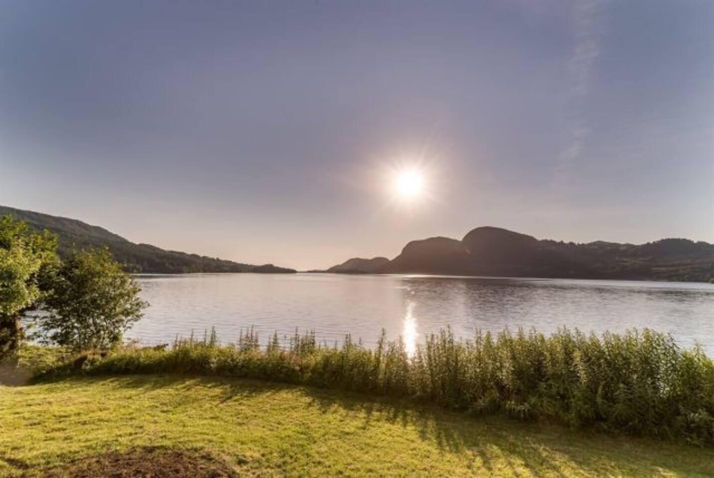View from the livingroom over the beautiful Bjorheimsvatn
