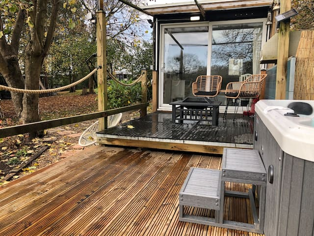 Lynbrook Cabin and Hot Tub, New Forest