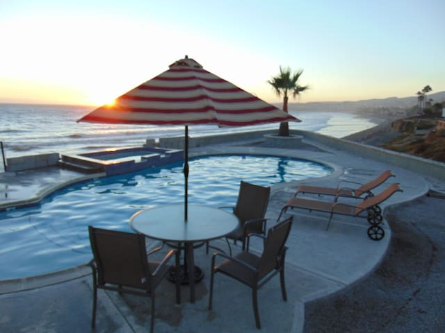 Pool & jacuzzi at sunset. Two min walk from the house.