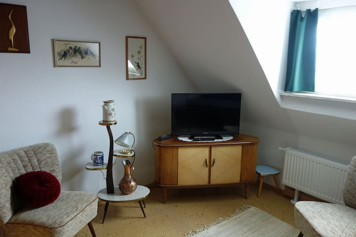 Ferienwohnungen Döbrabergblick (Naila), Ferienwohnung Retro mit Garten und Terrasse