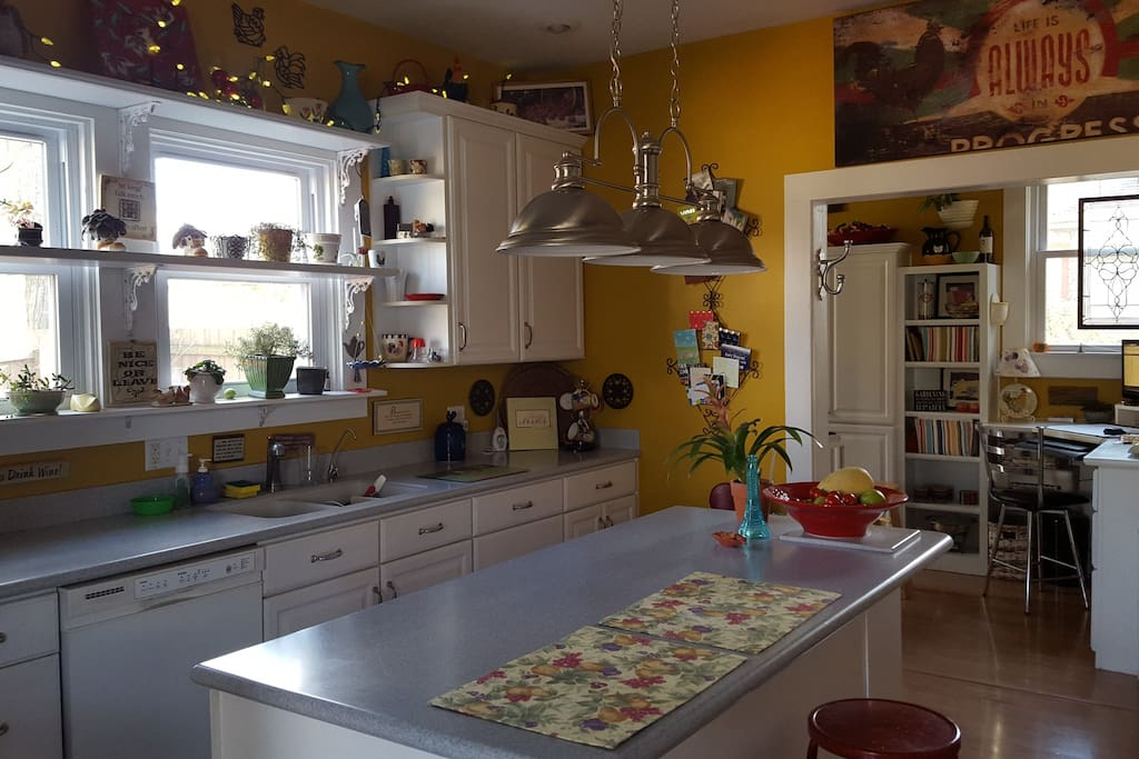 Full kitchen access with wireless internet.