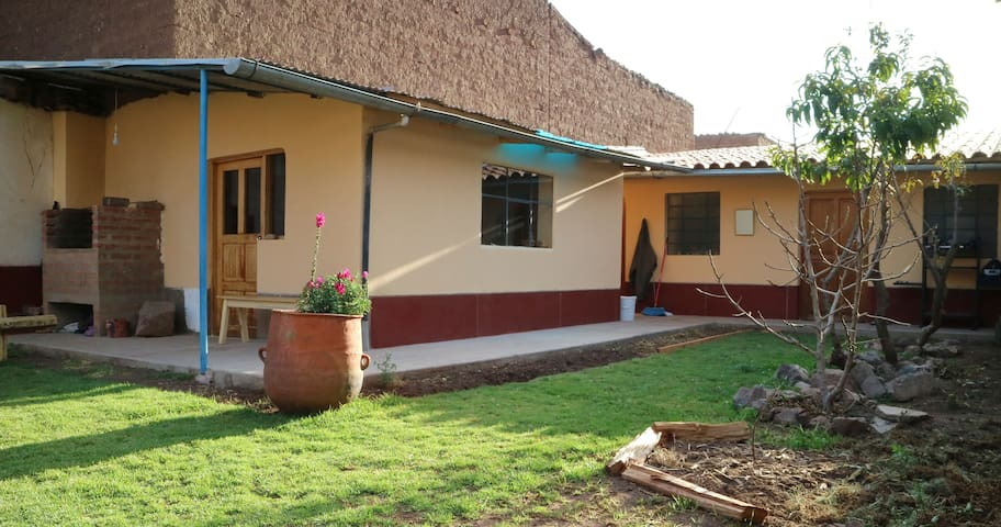 Peaceful, cozy abode in Pisac town, - Pisac  - Huis