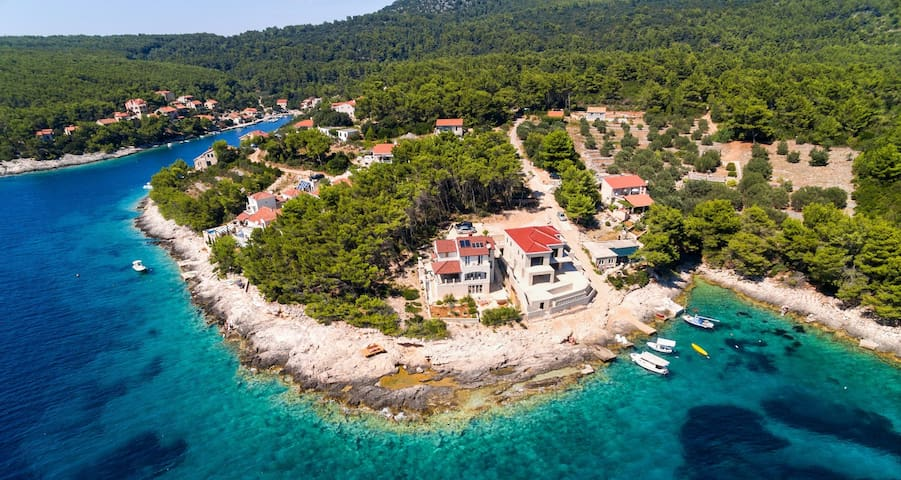 Waterfront Villa Putto in quiet secluded bay - Vela Luka - Villa