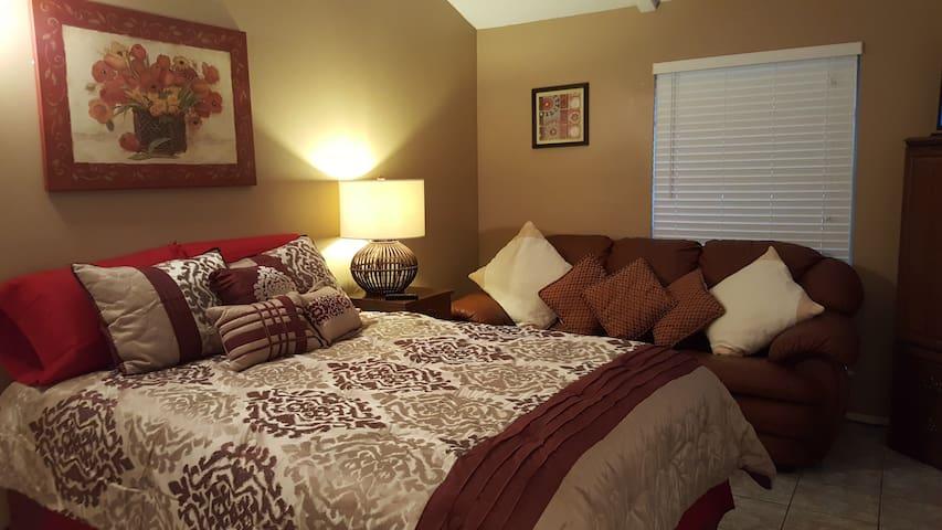 Master Suite with private bathroom - San Antonio - Casa
