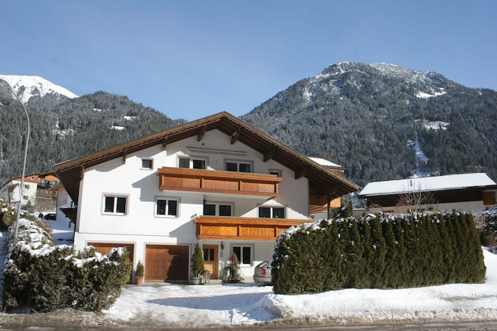 Deluxe Apartment in Sankt Gallenkirch with Mountain View