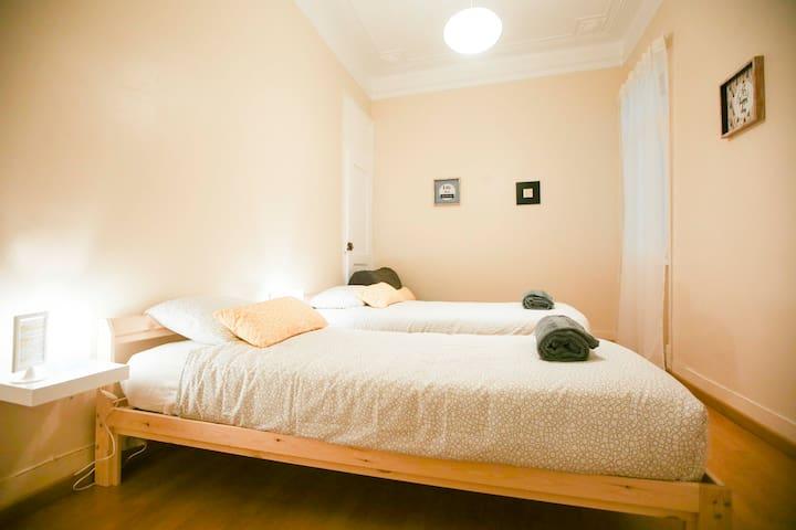 The Chill(e) - Triple Bedroom  Q3