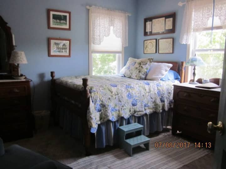Historic Farmhouse Hydrangea Room
