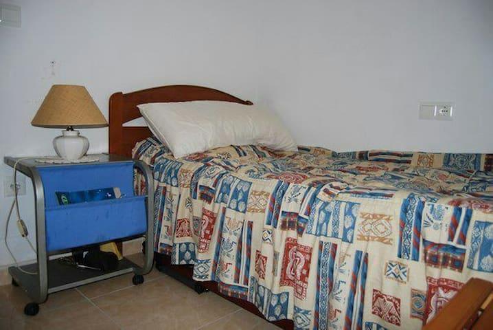 Piso de 3 dormitorios y 2 baños - Alacant