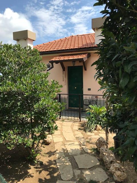 Casa Isotta....Tra mare e monti...010017-LT-0087