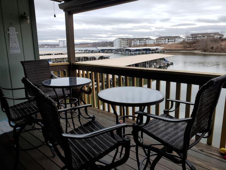 Entire Lakefront Condominium Lake Ozark, MO