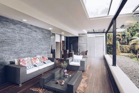 Lux Apartamento! ZONA PROVENZA- de Lujo!