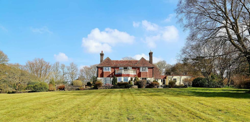 Beautiful detached sussex house set in 5 acres - Boarshead - Ev