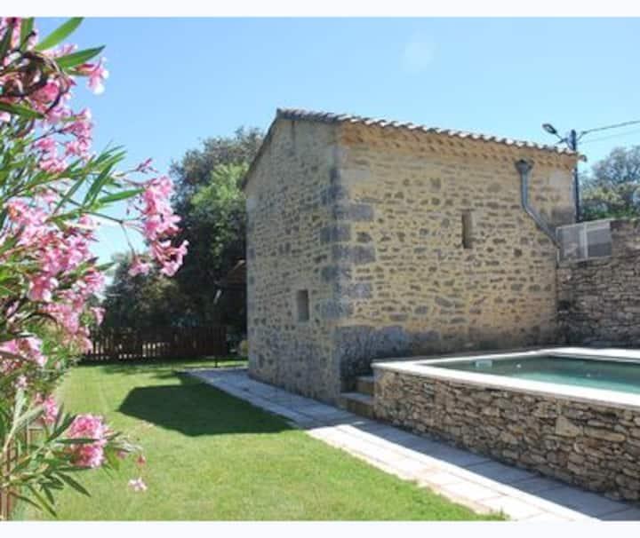 Joli Mazet Provençal climatisé avec piscine