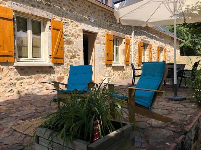 Maison de charme sur les hauteurs en Corrèze