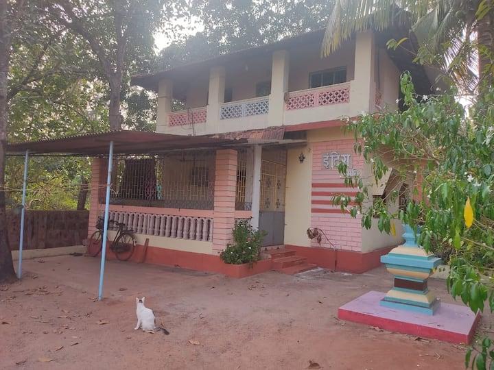 """True """"Konkani"""" house experiance.. Near paradise 🌊"""