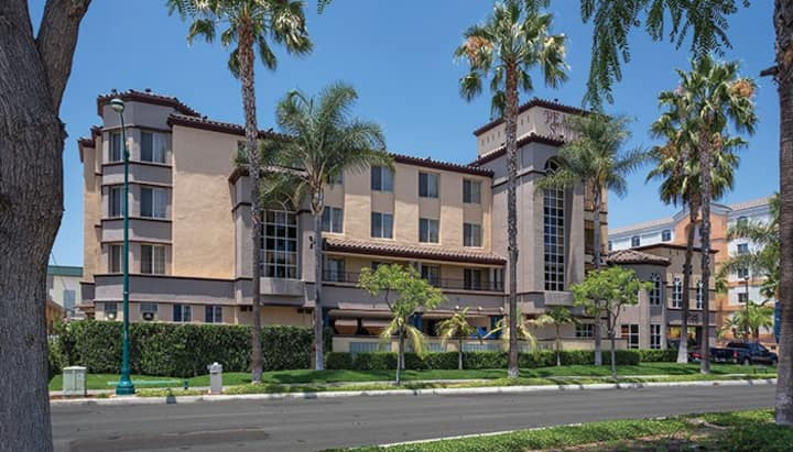 Anaheim Resort Suites Near Disneyland