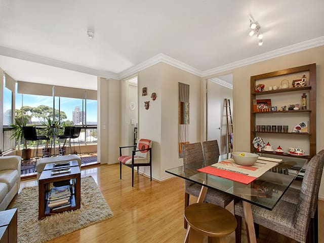 Stunning sunny apartment in Neutral Bay - Neutral Bay - Apartment