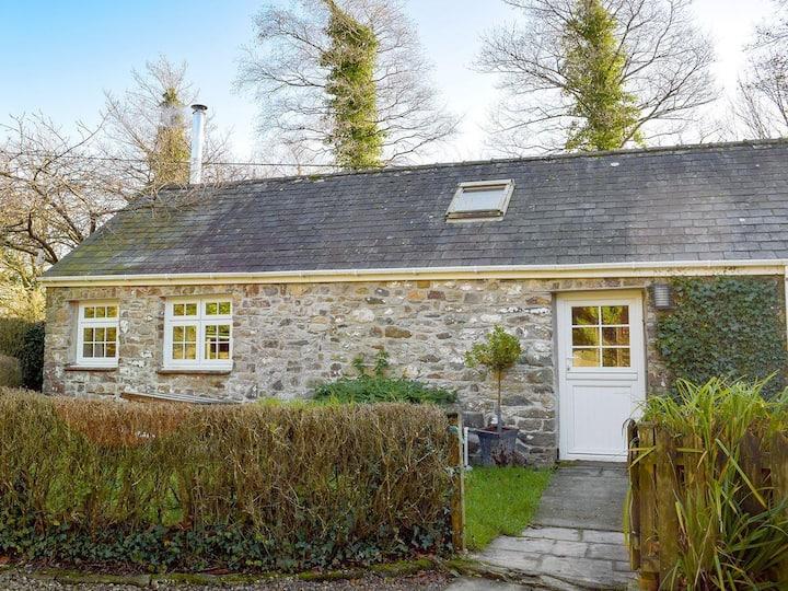 Corner Cottage - W42503 (W42503)