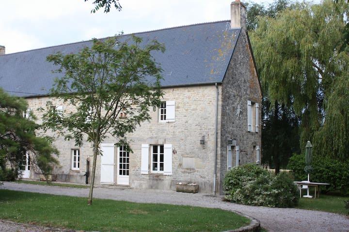 stephalie : jolie maison normande avec jardin