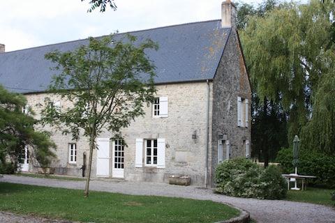 stephalie: pěkný Norman dům se zahradou