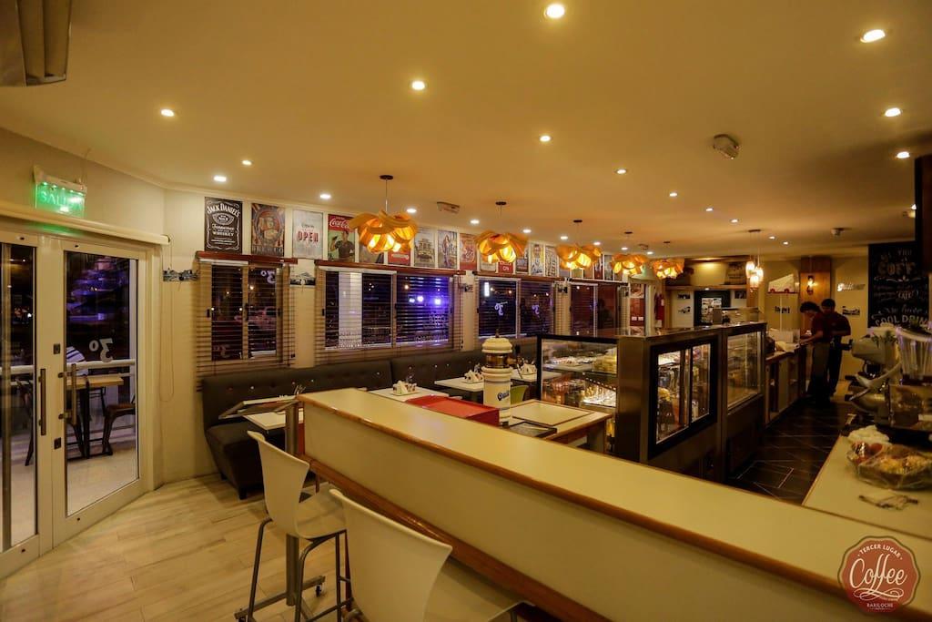 Bar y Restaurante buffet Tercer Lugar